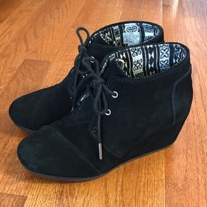 TOMS black wedge boots